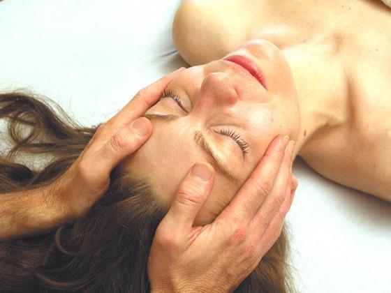 Stille Samadhi Massage und Körpertherapie in Köln mit Abhijat